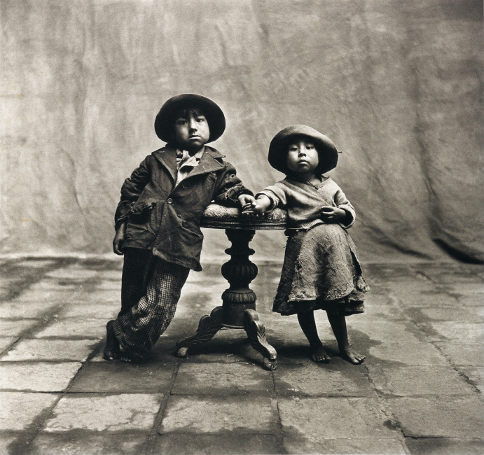portrait of two small children by irving penn